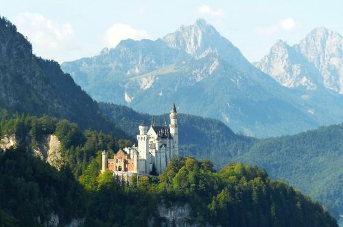 neuschwanstein castle morning light kristin