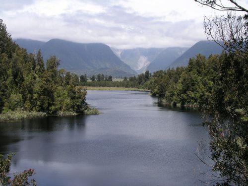 new zealand lake matheson