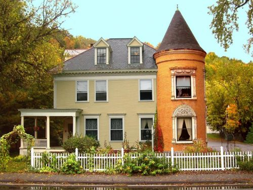 new england vermont colonial