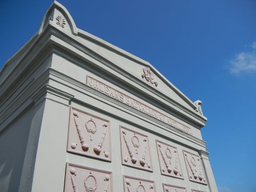 new orleans cemetery tomb