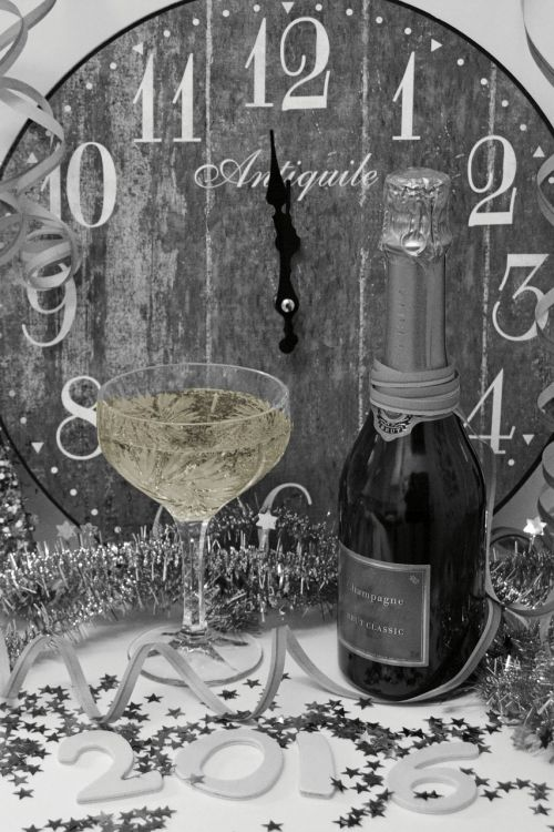 new year's eve new year's greetings clock