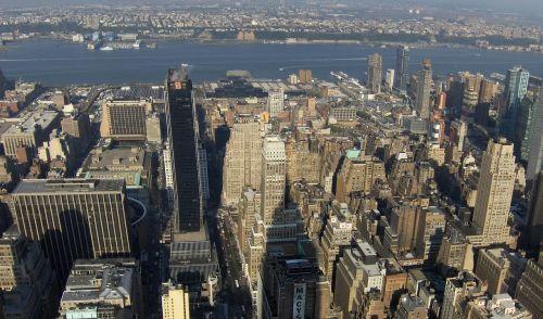 new york manhattan outlook