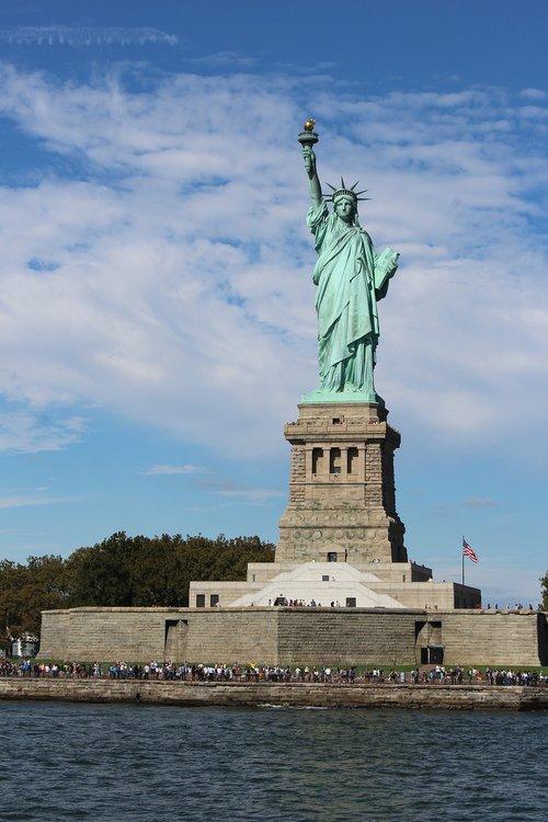 new york  freedom stature  staten iceland