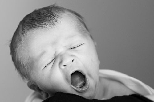 newborn yawning early days