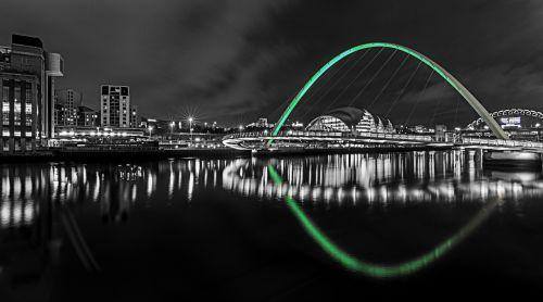 newcastle upon tyne night