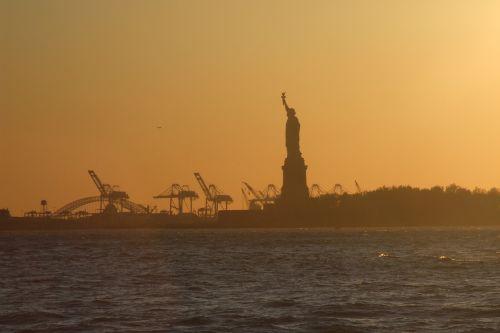 newyork statue city