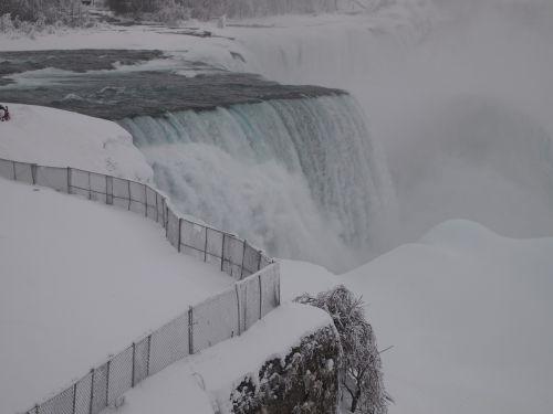 niagara falls winter ice