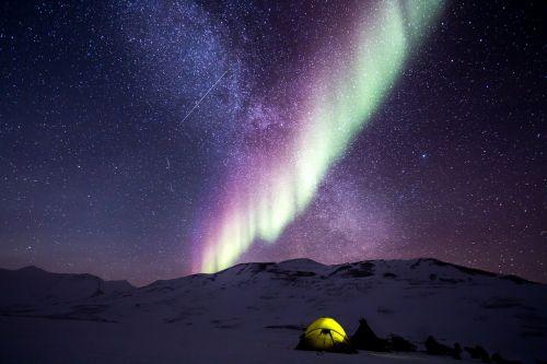 night aurora snow