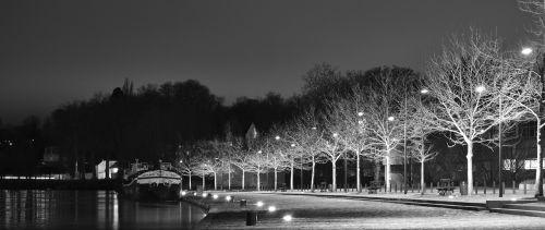 night urban light reflections