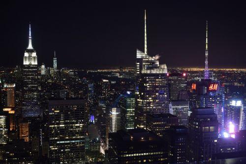 night photograph newyork skyscraper