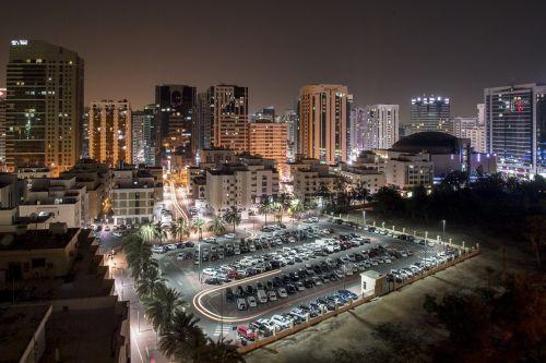 nakties scena,žibintai,miestas,kelionė,dangoraižis,panorama,scena,miesto,pastatas,kraštovaizdis,miesto panorama,šiuolaikiška,turizmas,vakaras,spalvinga,apšviestas,vaizdingas