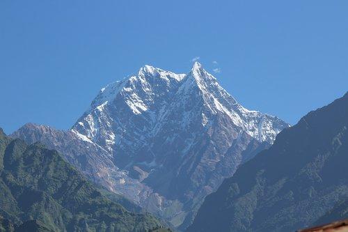 nilgiri  mountain  himalaya