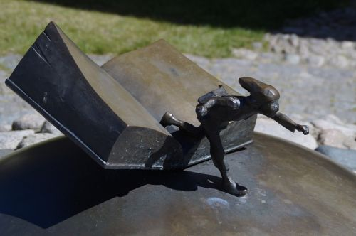 nils holgersson selma lagerlöf monument