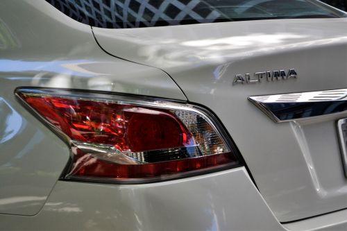 nissan altima white car tail light