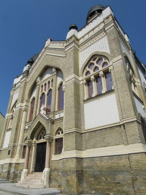 nitrify slovakia synagogue
