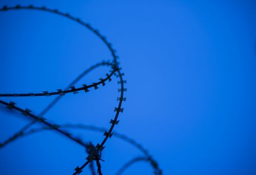 no one sky barbed wire