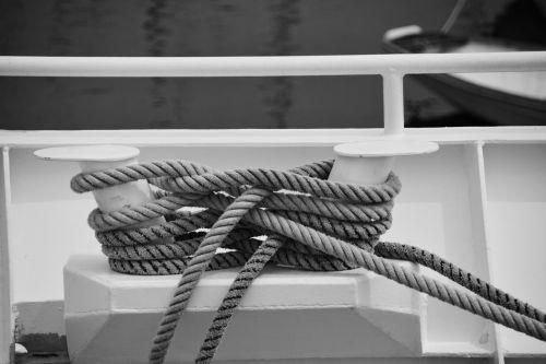 nodes strings marine knots