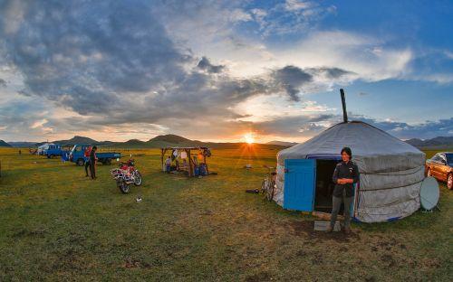 nomad mongolia sunset