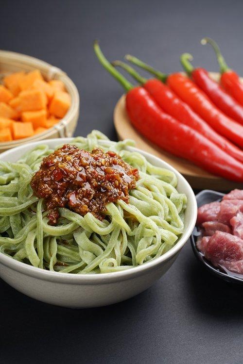 noodles  food  sauce