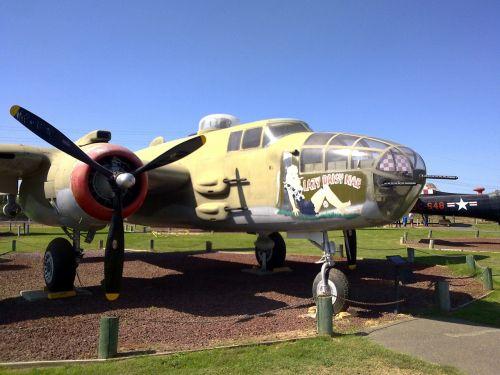 north american b-25 mitchell b-25 mitchell