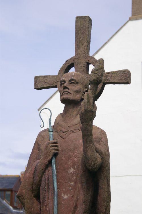 northumberland statue church