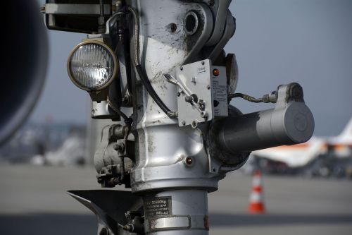 nosewheel chassis cable