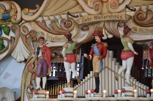 nostalgia organ year market