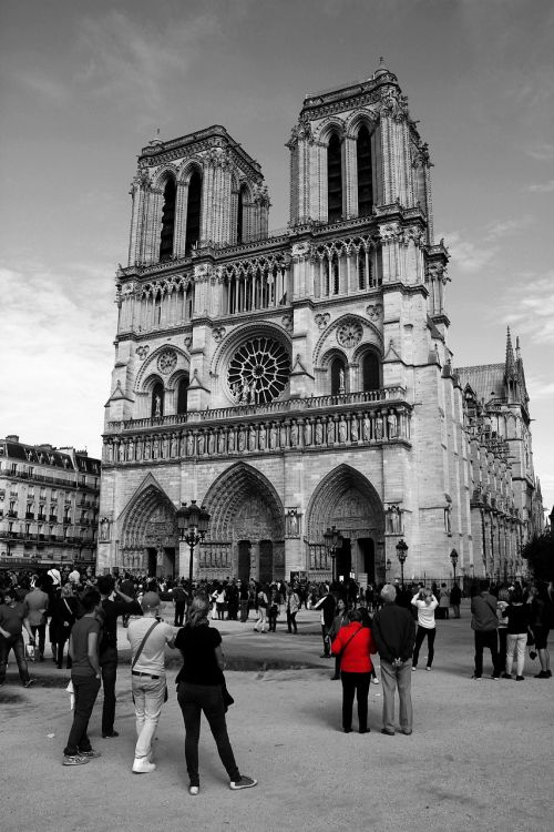 notre dame cathederal tourist attraction
