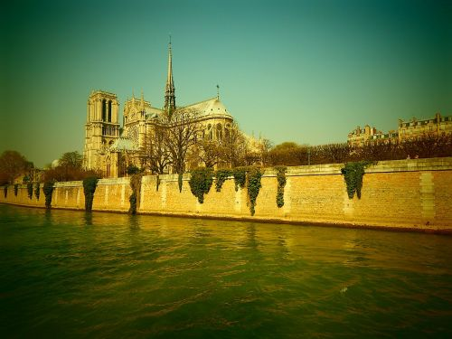 notre dame cathedral its