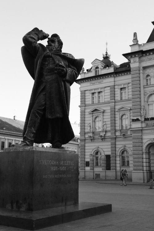 novi sad serbia statue