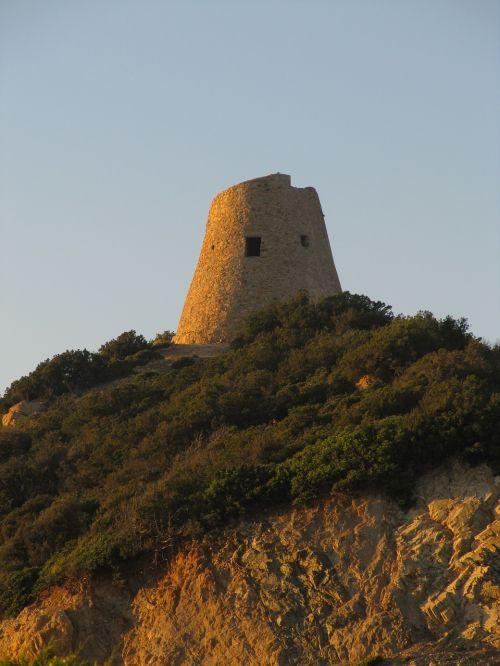 nuraghe tower historically