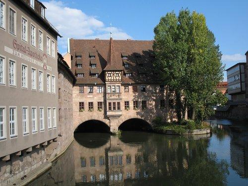 nuremberg  pegnitz  hangman bridge