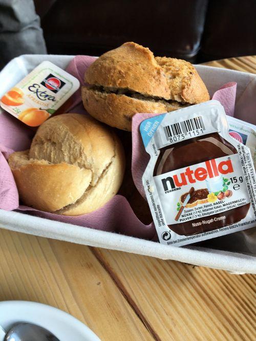 nutella breakfast roll
