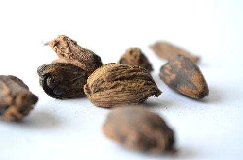 nutmeg spice seeds