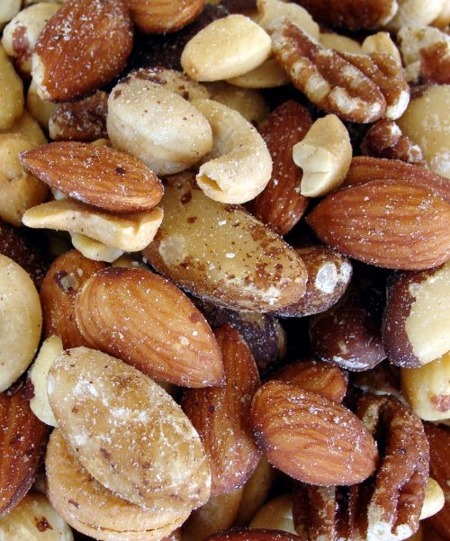 nuts almonds cashews