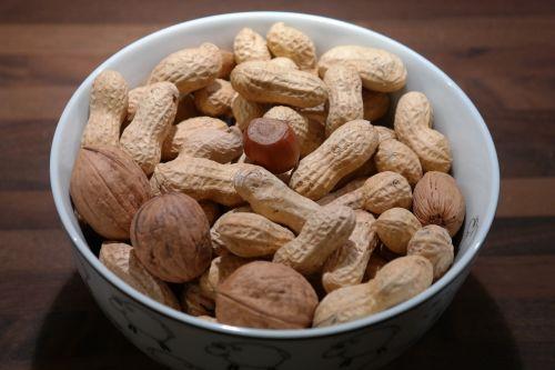 nuts peanuts walnuts