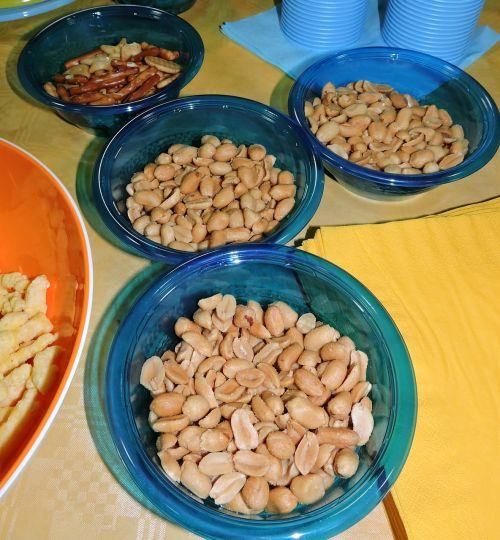 nuts peanuts aperitif