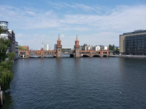 oberbaumbrücke,Berlynas,tiltas,šurprizas,kapitalas,pastatas,Vokietija,lankytinos vietos