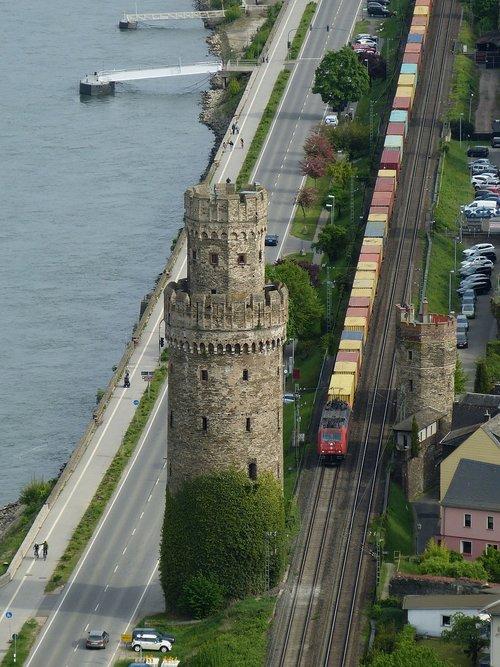 Oberwesel, Reino, Middle Rhine, Vokietija, weltkulturebe, Reino slėnis, UNESCO pasaulio paveldas, viduriniosios Reino slėnis, istoriškai, geležinkelio, bokštas, traukinys, eismo, transportas, bėgiai, konteineris