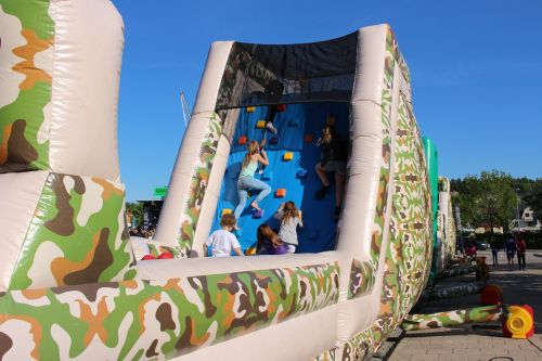 obstacle course blue sky children