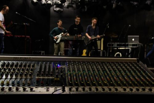occur band mixing console