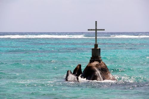 ocean sea cross