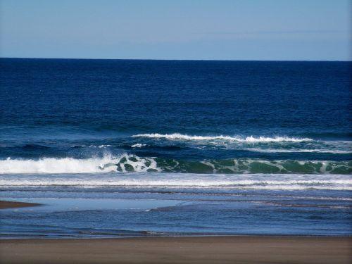 ocean wave green