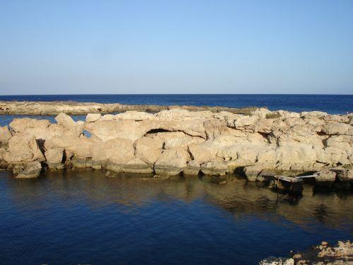 vandenynas,vanduo,jūra,papludimys,akmenys,kranto,pakrantė,dangus,mėlynas,gamta,horizontas,taikus,Krantas,sala,jūros dugnas,ežeras,peizažas,idiliškas,atostogos,šventė,ramus,ramus,atsipalaidavimas,egzotiškas