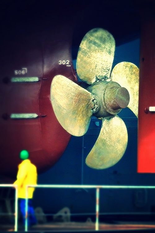 ocean ship screw