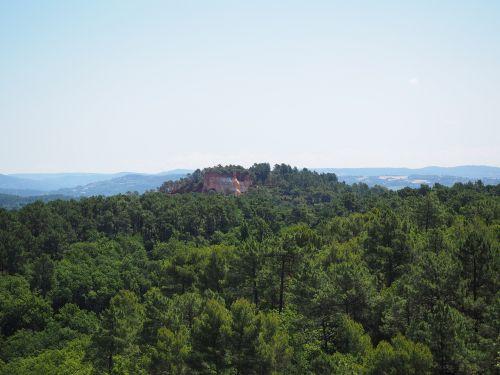 ochros uolienos,miškas,kraštovaizdis,gamta,ochra,roussillon,Rokas,lankytinos vietos,luberono masyvas,france,Vaucluse,ochra mine,ochr karjeris,Provence,ochros spalvos,raudona ochra,ockerbraun,ochro kalnakasyba,žemės spalva,rudas akmuo,molio mineralas,Vaucluse departamentas,Provence-Alpes-Côte dAzur,arrondissement apt,kantonas apt,gamtos parkas luberon,apt,gordes,chaussee of geants,falaises de sang,mišinys,spalva,atspalvis