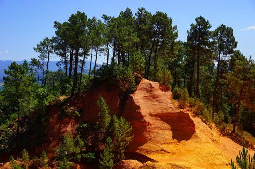 ocher rocks roussillon ocher trail