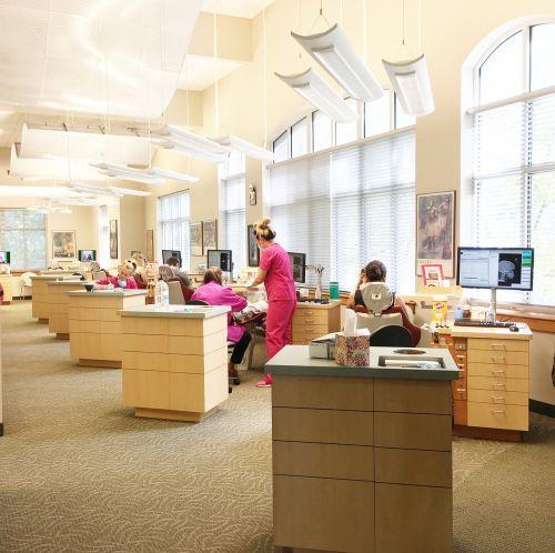 biuras,stomatologas,darbo vieta,dantų stomatologo biuras