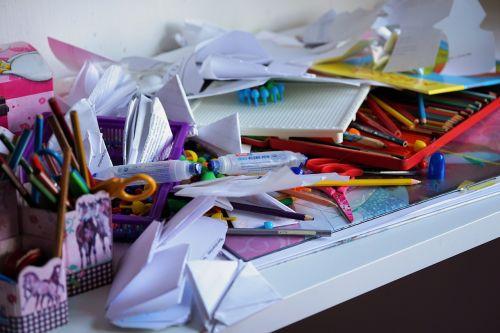 office chaos clutter