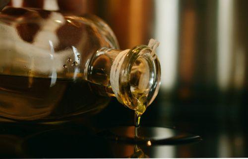 oil olive oil glass bottle